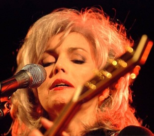 Emmylou Harris live at the Ford in 2001. (Courtesy of Sherry Rayn)