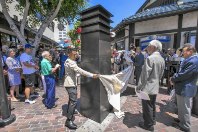 The unveiling of the 8-foot-tall, steel tribute to Fujii located at Japanese Village Plaza. (Photo by Irfan Khan/LA Times)